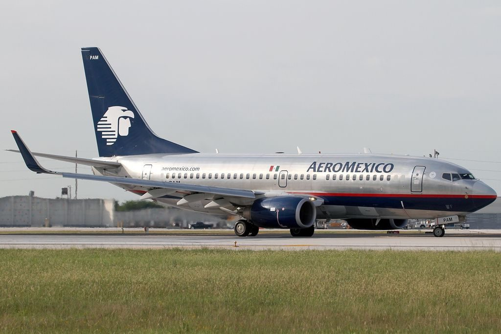 Aircraft type Boeing 737 752 Operator AeroMexico Registration XA PAM at Miami International