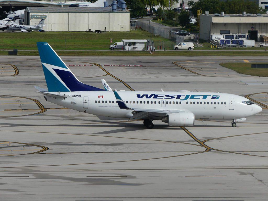 Boeing 737 76N 33378 Reg C GUWS Operator Westjet KFLL Ft Lauderdale International FL