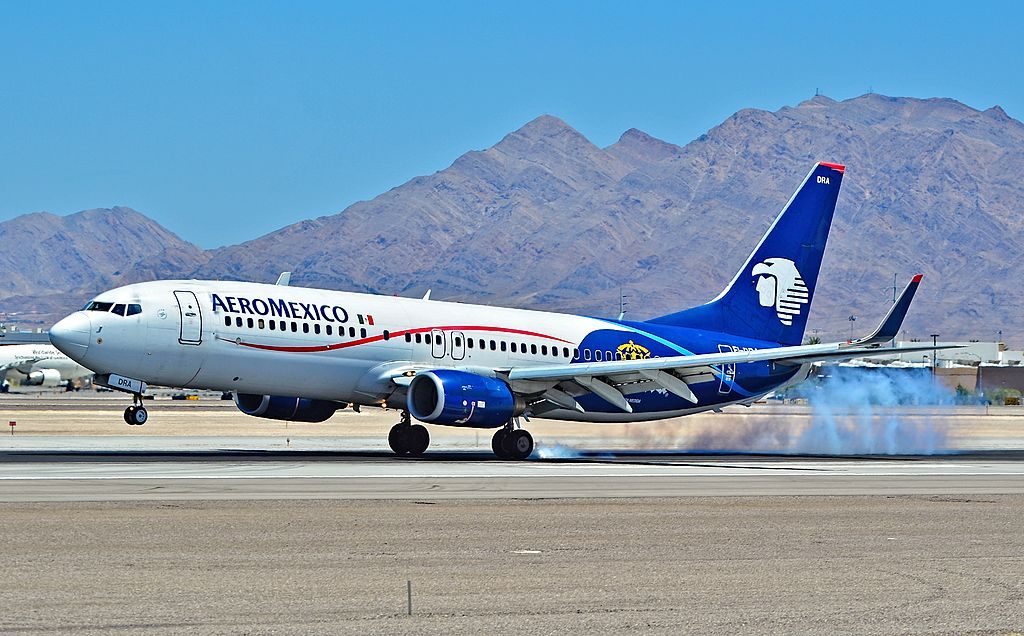 Boeing 737 800 of Aeroméxico EI DRA at McCarran International Airport