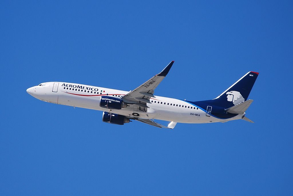 Boeing 737 800 of Aeroméxico XA MIA at Los Angeles International Airport