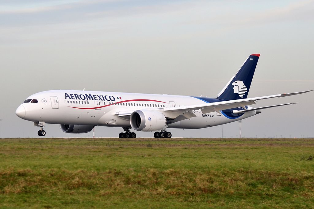 Boeing 787 8 Dreamliner of Aeroméxico N965AM at Paris Charles de Gaulle Airport