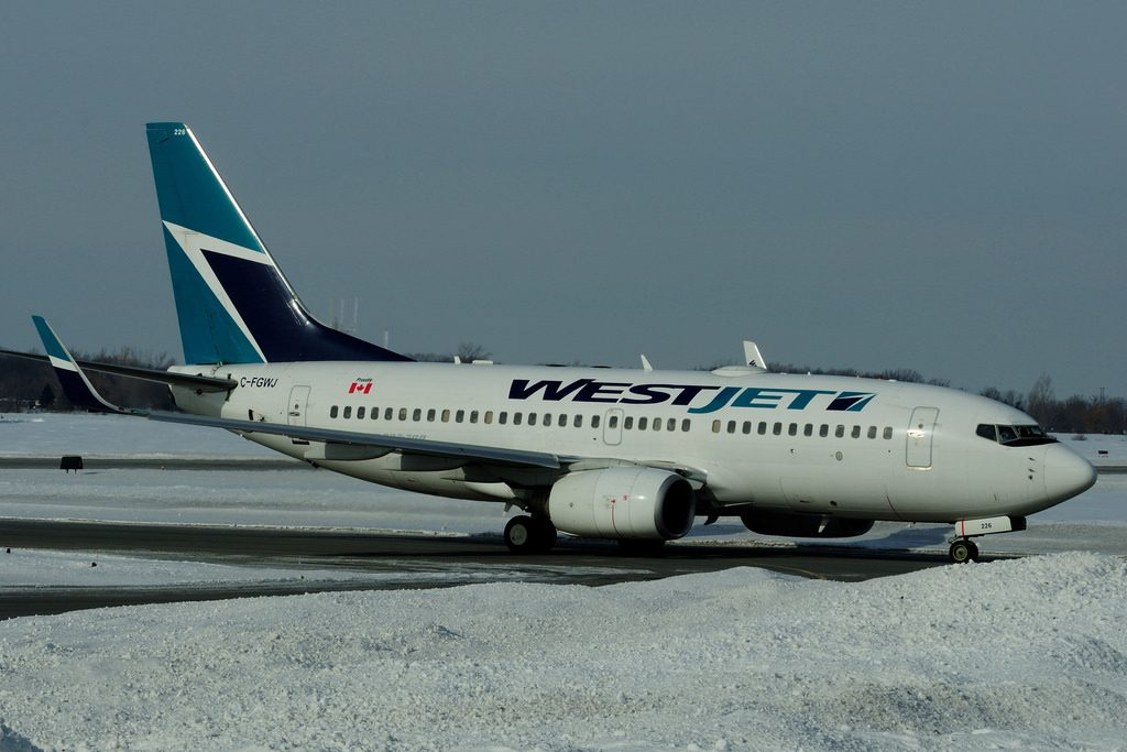 C FGWJ Boeing B 737 7CTW WestJet at Hamilton International Airport YHM