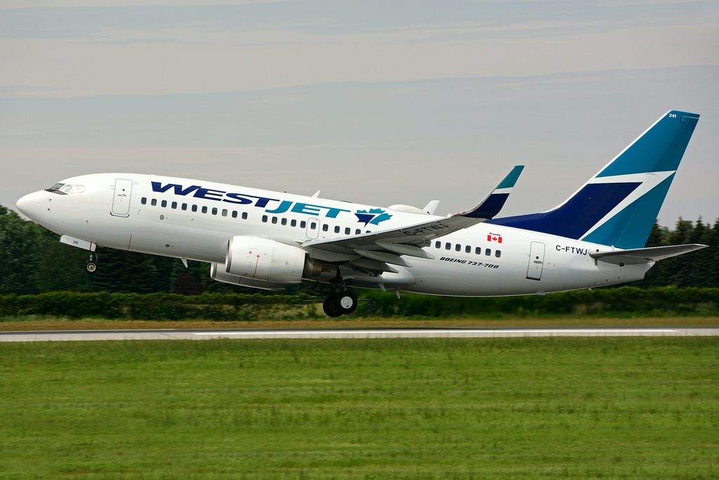 C FTWJ Boeing B737 7CTW WestJet at Hamilton International Airport YHM