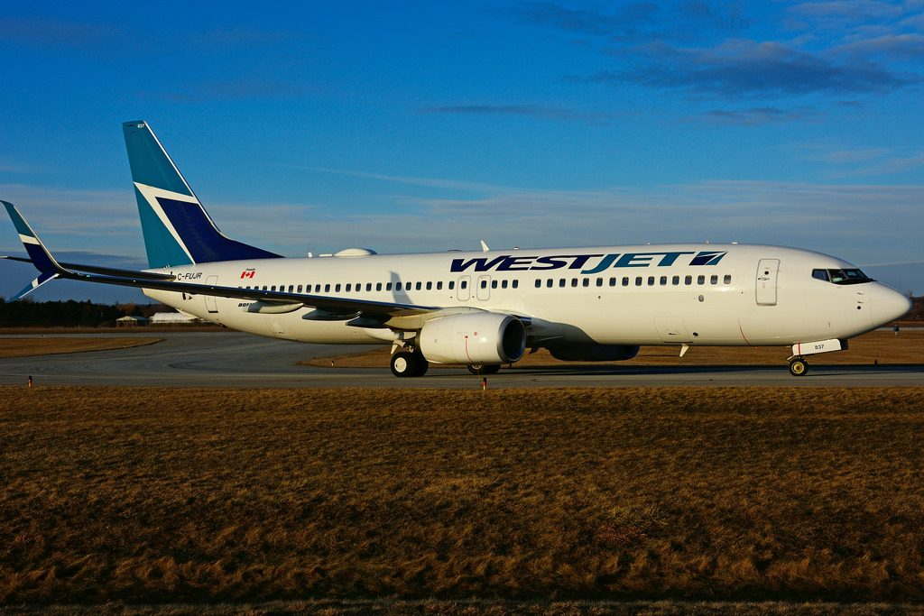 C FUJR Boeing B 737 8CTSW WestJet at Hamilton International Airport YHM