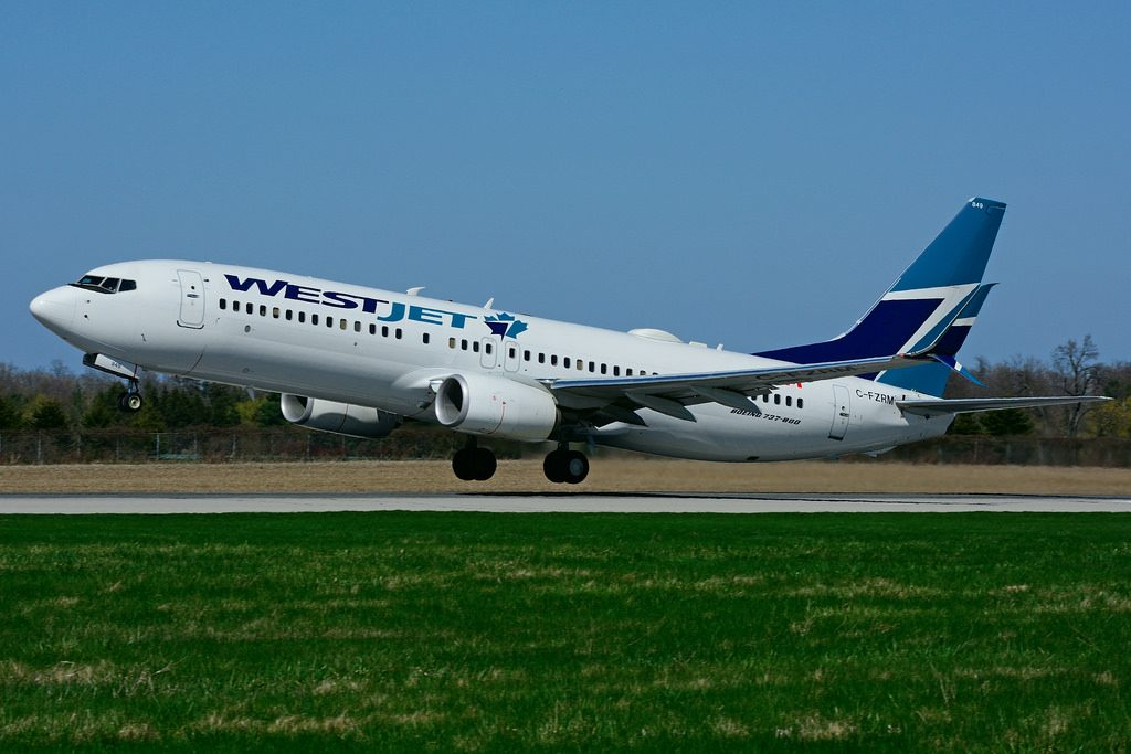 C FZRM Boeing B 737 8CT WestJet at Hamilton International Airport YHM