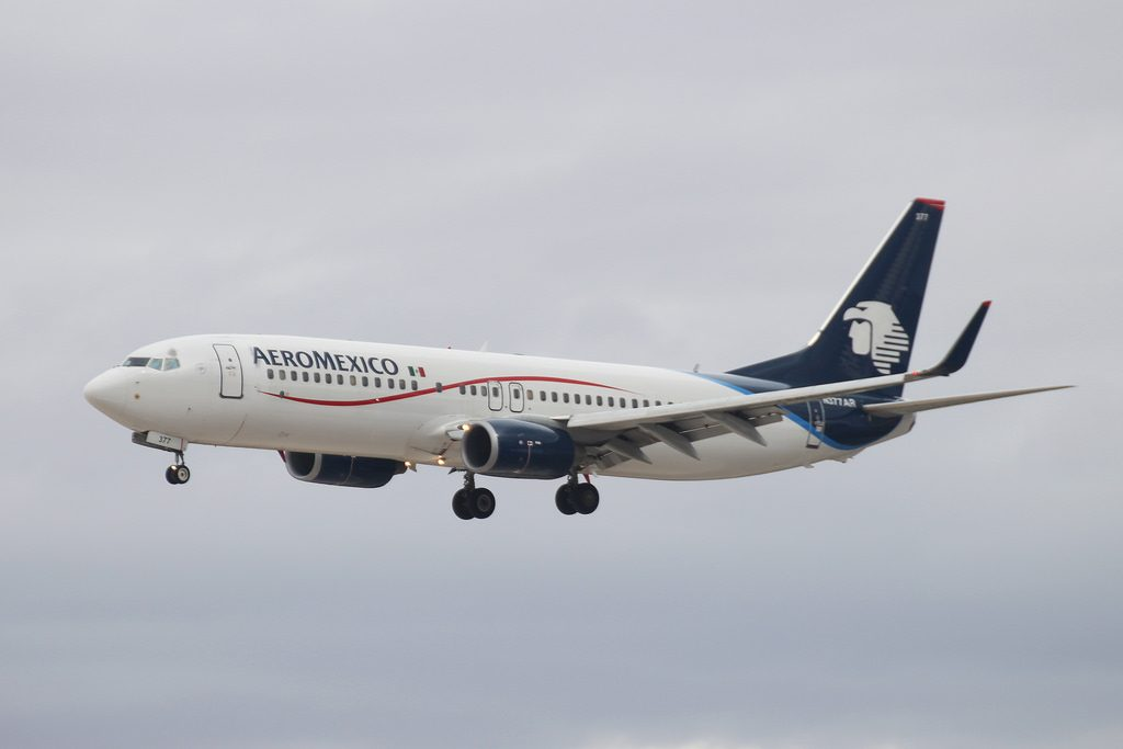 N377AR Aeromexico Boeing 737 800 on final approach at Los Angeles International Airport
