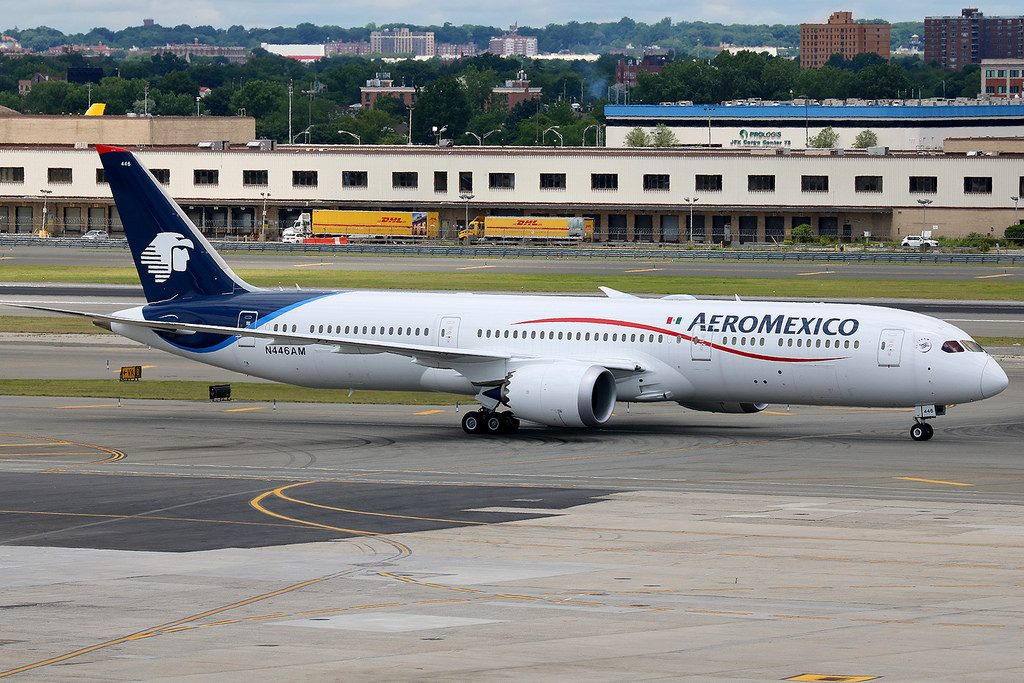 N446AM Aeromexico Boeing 787 9 Dreamliner at New York JFK International Airport