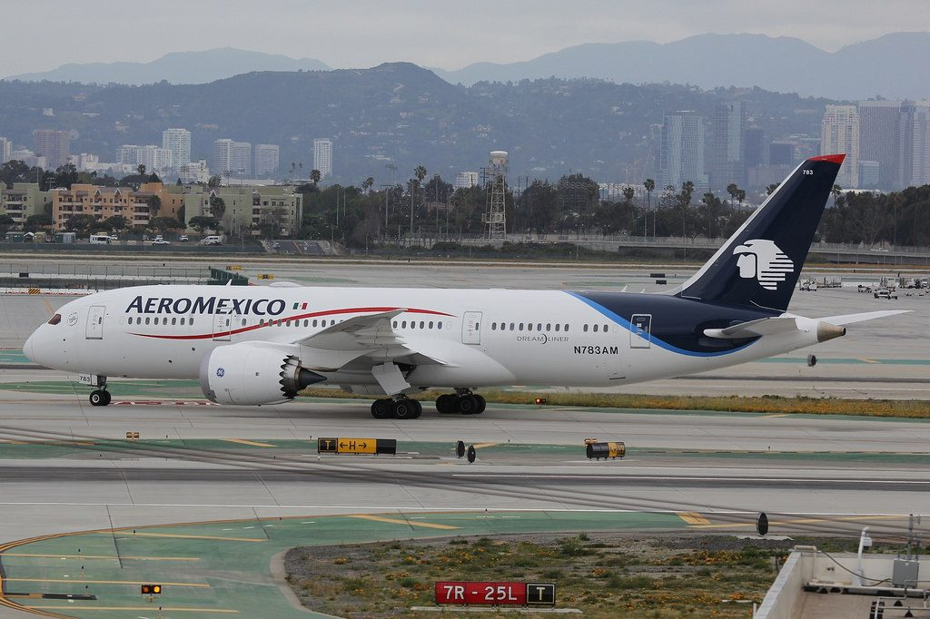 N783AM Boeing 787 8 Dreamliner AeroMexico taxiing at LAX Airport