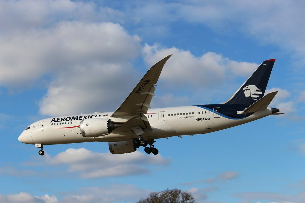 N964AM Boeing 787 8 Dreamliner AeroMexico at London Heathrow Airport LHR EGLL Arriving from Mexico City