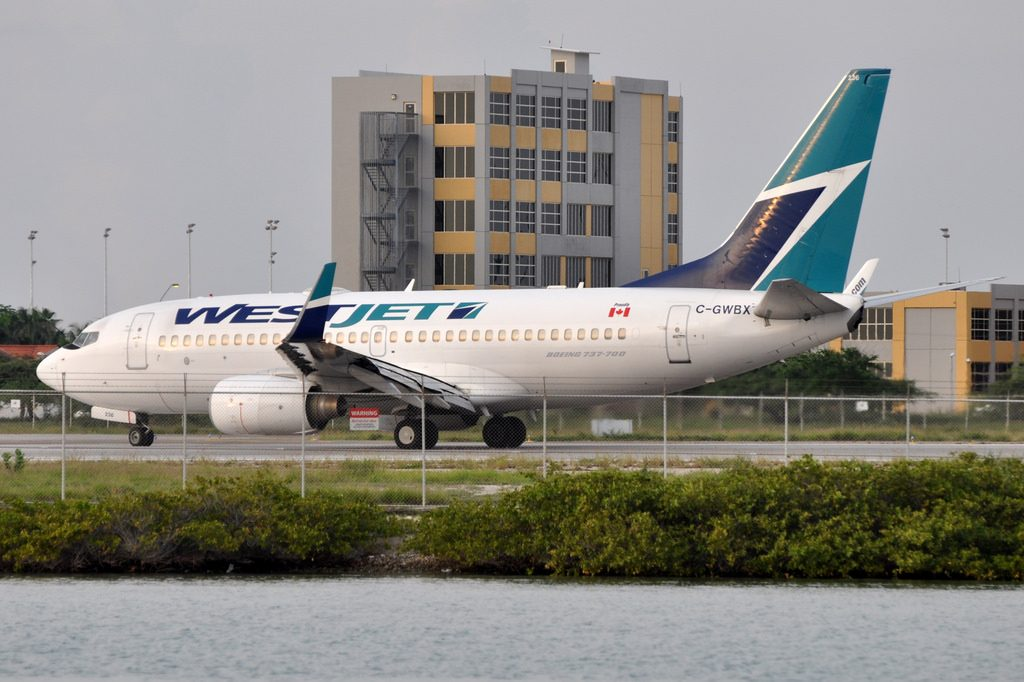 WestJet Airlines Boeing 737 700WL C GWBX Queen Beatrix International Airport AUA Aruba