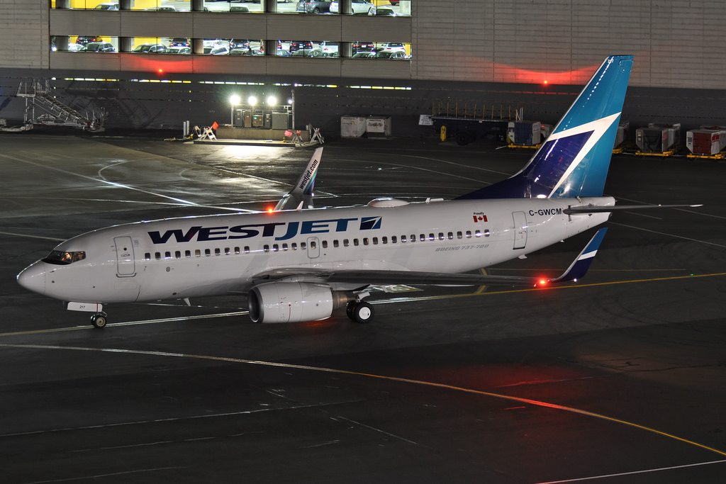 WestJet Boeing 737 700 C GWCM at San Francisco Inernational Airport