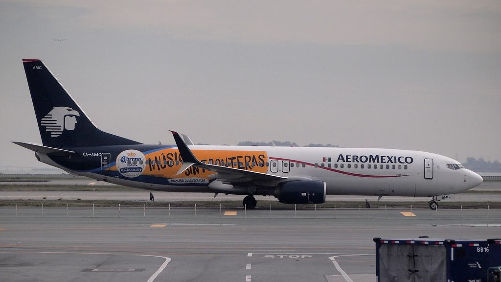 XA AMC Boeing 737 852W AeroMexico special Musica sin Fronteras livery colours at SFO Airport