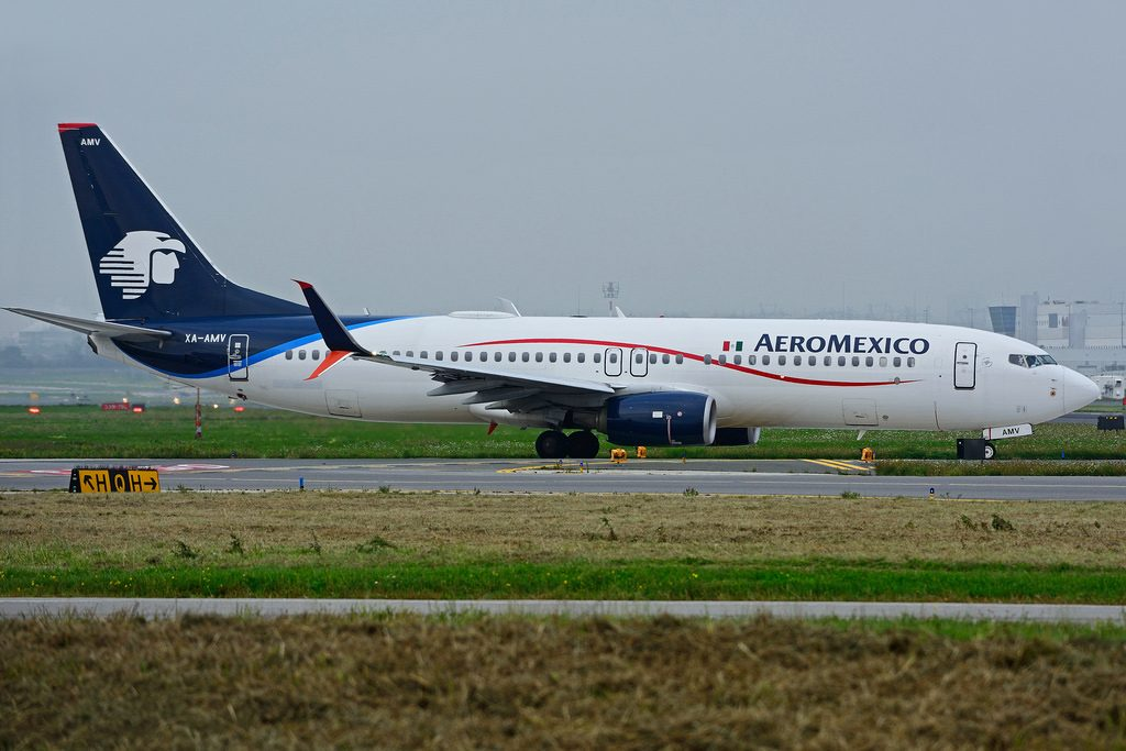 XA AMV Boeing B737 852SW Aeromexico leased from Avolon Aerospace at Toronto Lester B. Pearson Airport YYZ