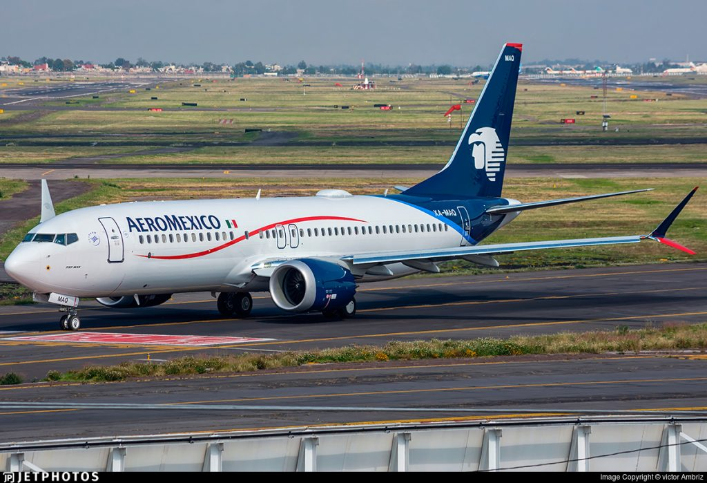 XA MAQ Boeing 737 8 MAX Aeroméxico @Victor Ambriz