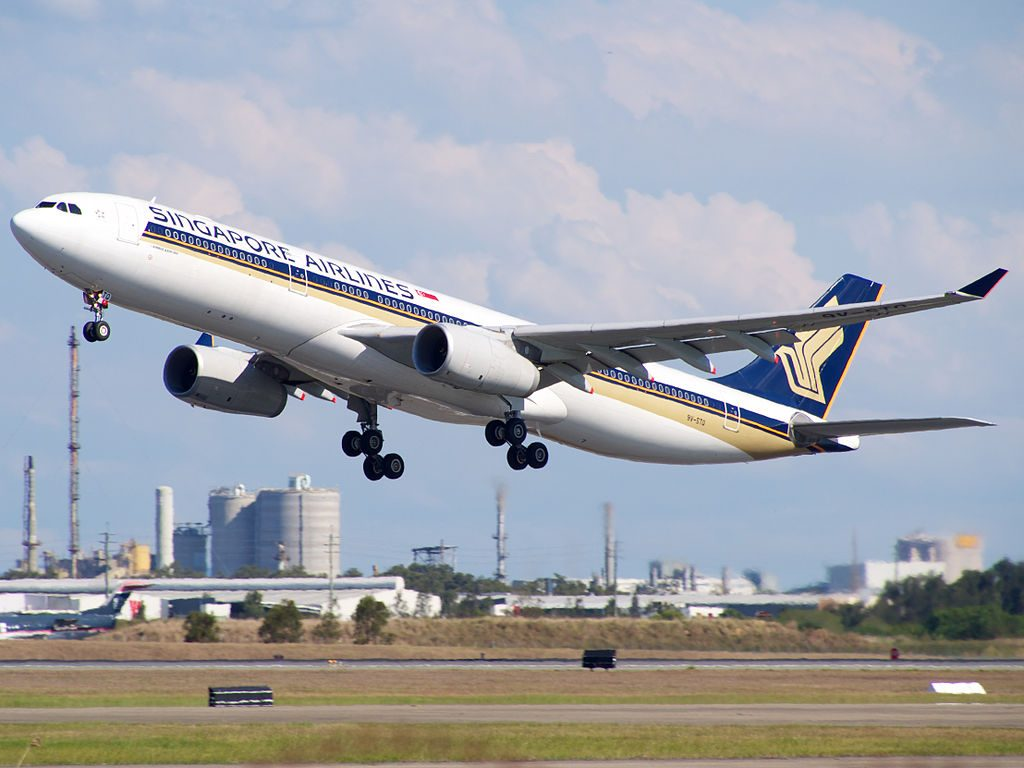 9V STQ Airbus A330 343X Singapore Airlines departing Brisbane Airport