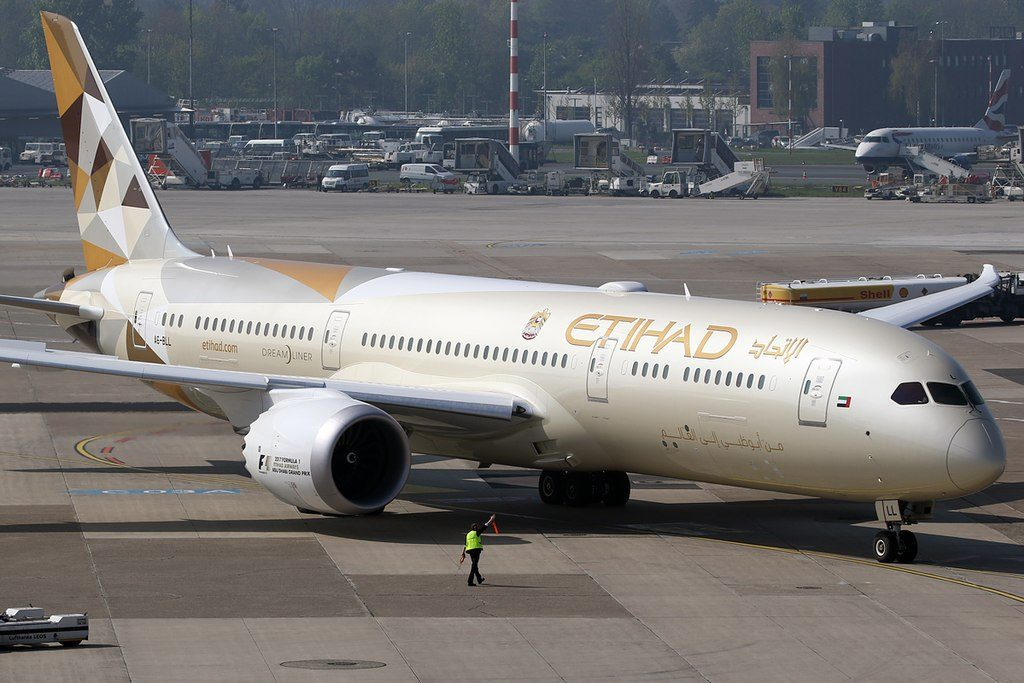 A6 BLL Boeing 787 9 Dreamliner of Etihad Airways at Düsseldorf Airport