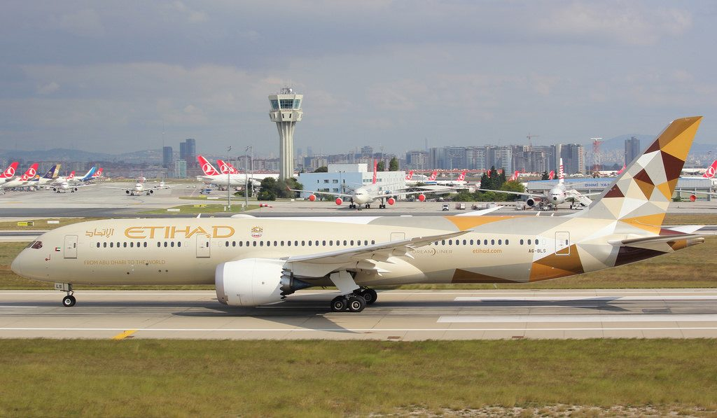 A6 BLS Boeing 787 9 Dreamliner Etihad Airways at Istanbul Atatürk Airport