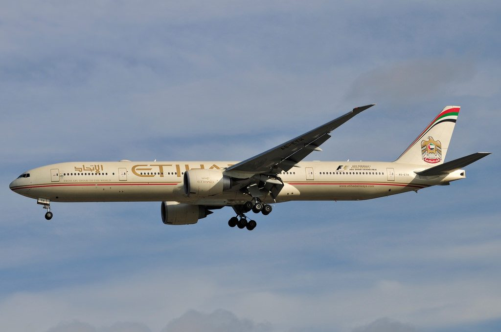 A6 ETH Etihad Airways Boeing 777 3FXER on final approach at Manchester Airport