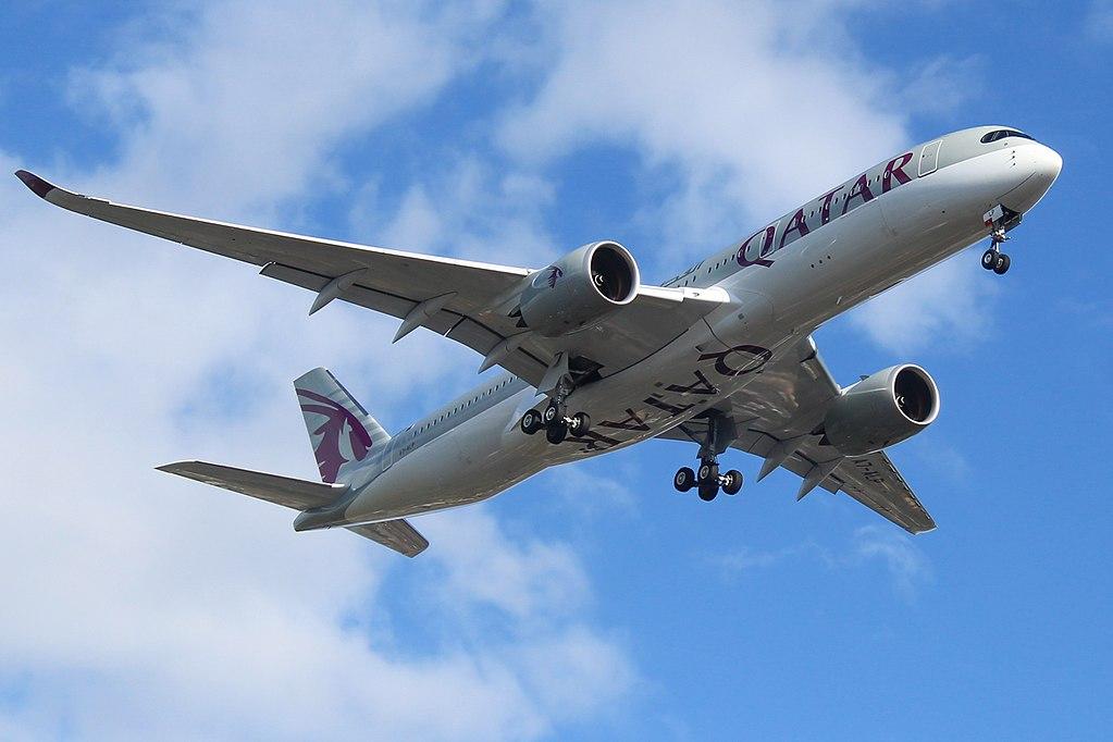A7 ALP Airbus A350 900 Qatar Airways on final approach at London Heathrow Airport