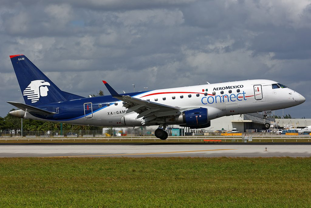 Aeromexico Connect ERJ 170 XA GAM just prior to landing on Runway 9 at Miami International Airport.