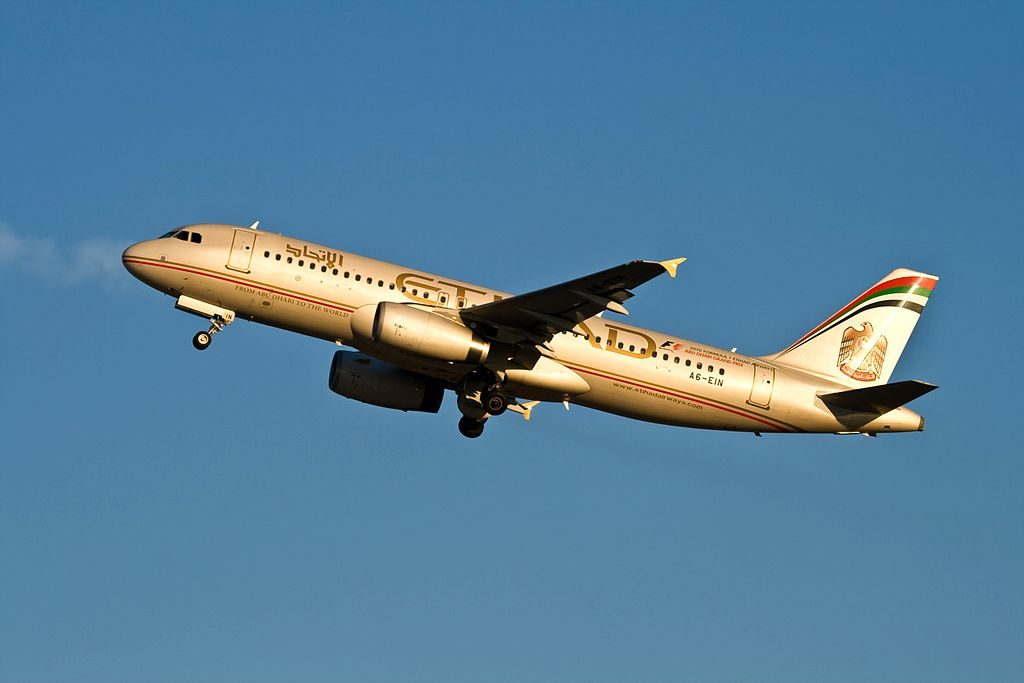 Airbus A320 200 Etihad Airways A6 EIN departing Moscow Domodedovo Aiport