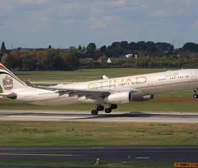 Airbus A330 300 Etihad Airways A6 AFD landing at Düsseldorf Airport