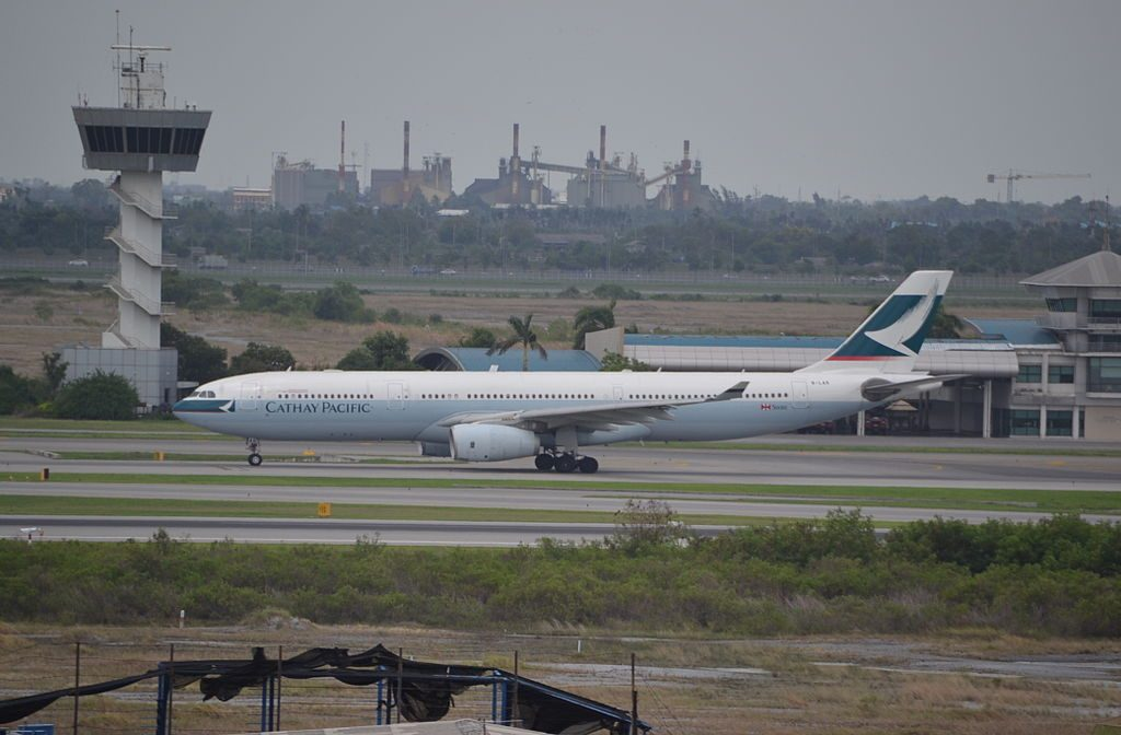 Airbus A330 300 of Cathay Pacific Airways B LAM at Bangkok BKK Thailand