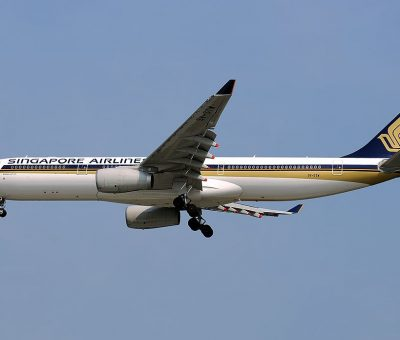 Airbus A330 343X Singapore Airlines 9V STW on final approach at Singapore Changi Intl Airport WSSS