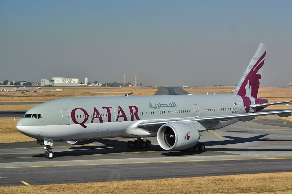 Boeing 777 200LR of Qatar Airways A7 BBD at OR Tambo International Airport