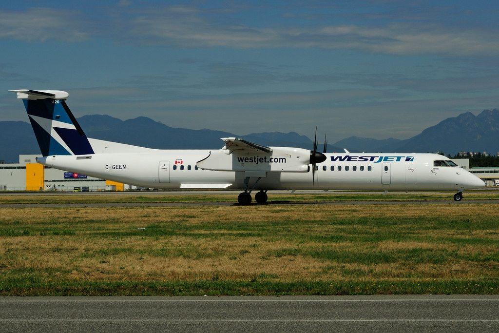 C GEEN Bombardier DHC 8Q 402 WestJet Encore at Vancouver International Airport YVR