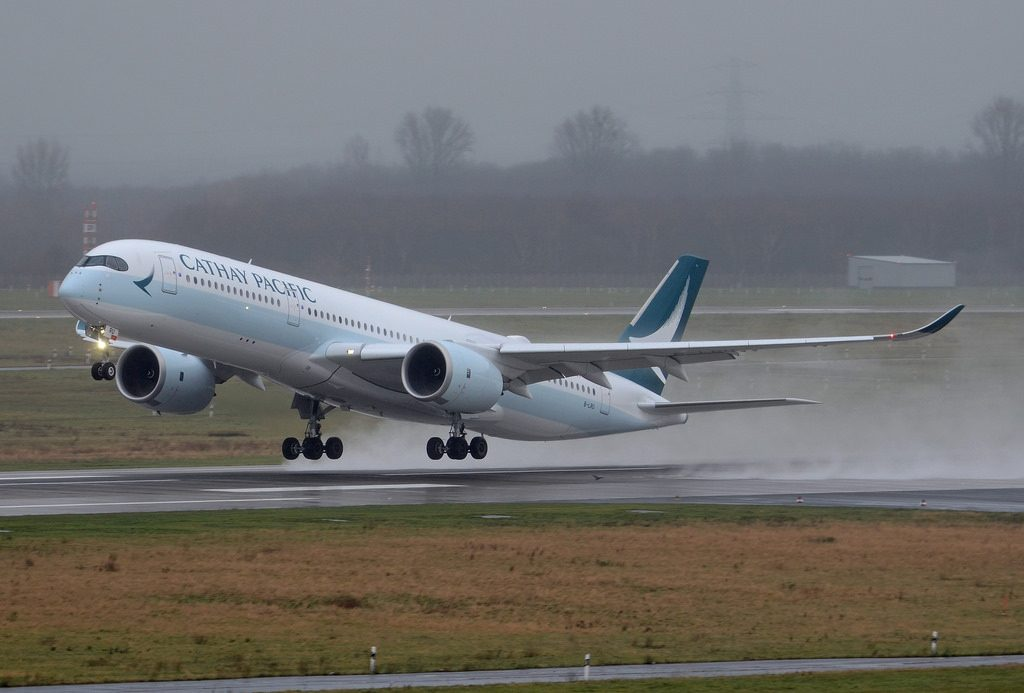Cathay Pacific Airways Airbus A350 941 B LRU landing and takeoff at Düsseldorf Airport