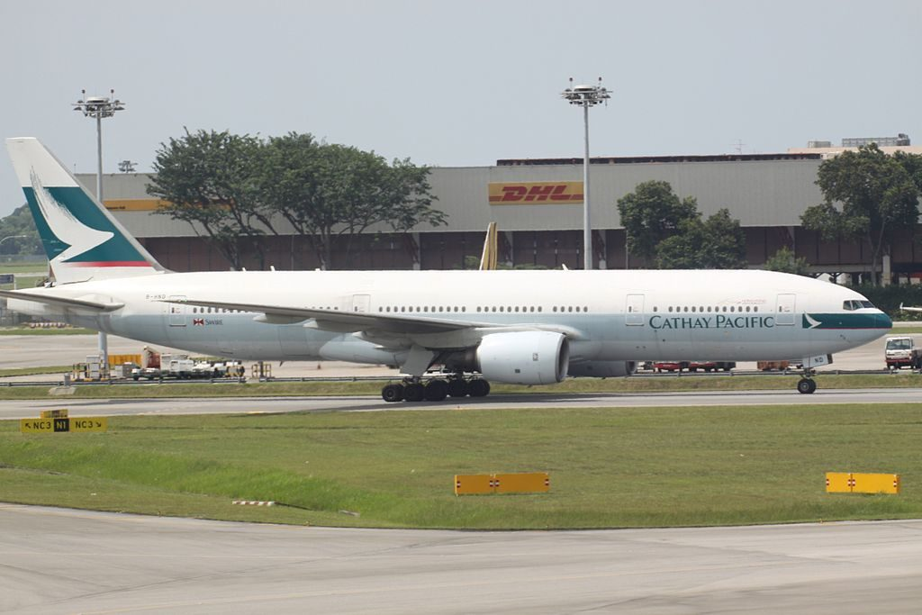 Cathay Pacific B HND Boeing 777 200 at Singapore Changi Airport