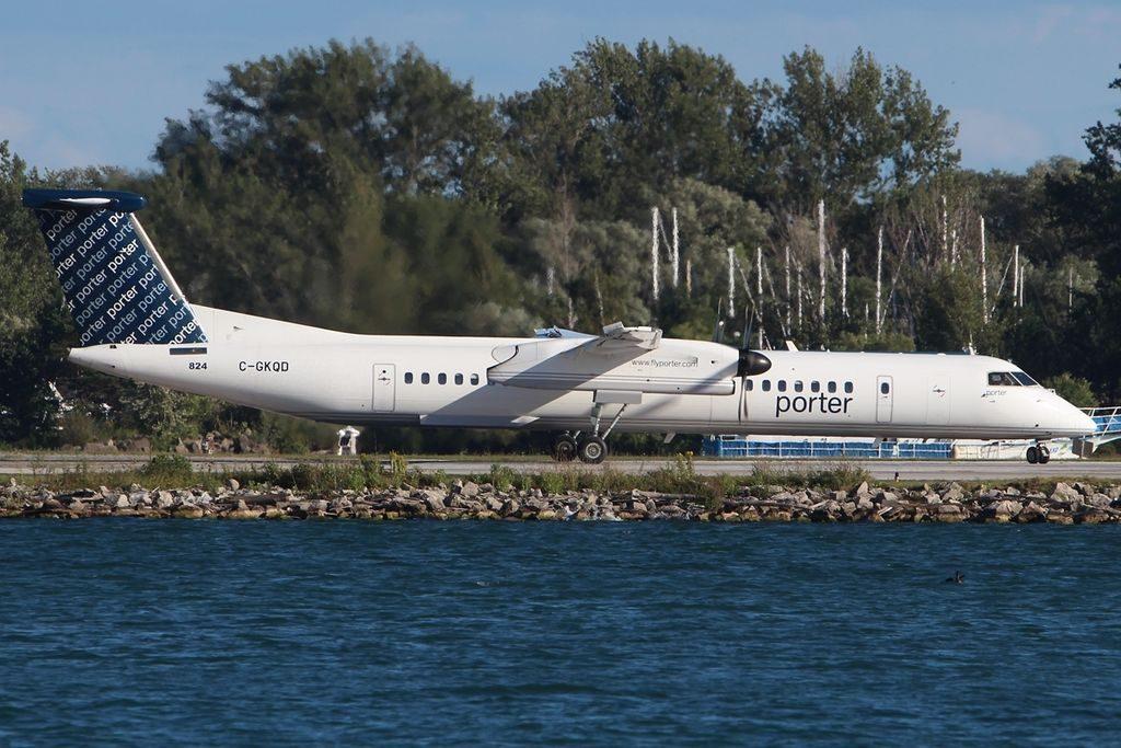 De Havilland Canada DHC 8 402Q Porter Airlines C GKQD YTZ Toronto ON Toronto Island Airport