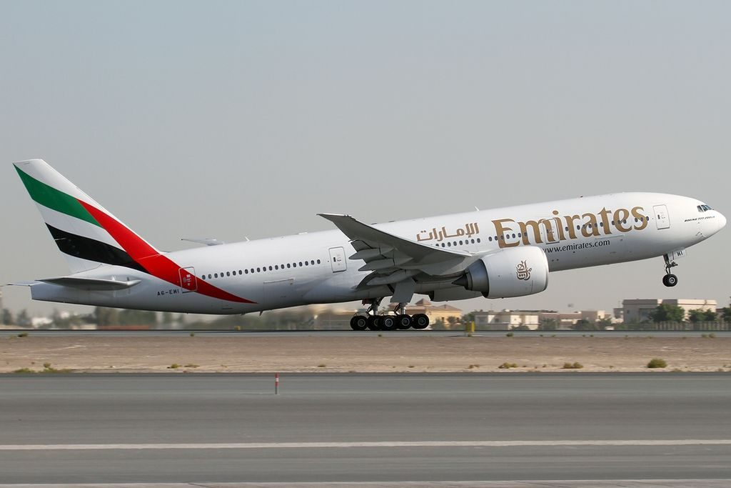 Emirates Boeing 777 200LR A6 EWI at Dubai International Airport