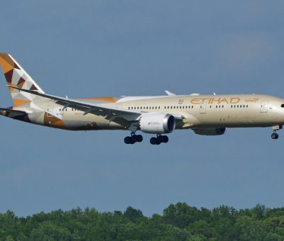 Etihad Airways A6 BLA Boeing 787 9 Dreamliner on final approach at Washington Dulles Airport