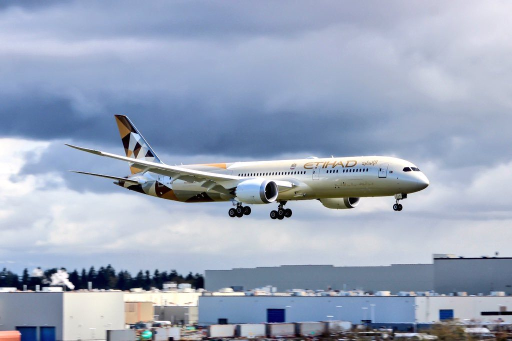 Etihad Airways A6 BLT Boeing 787 9 Dreamliner at Paine Field