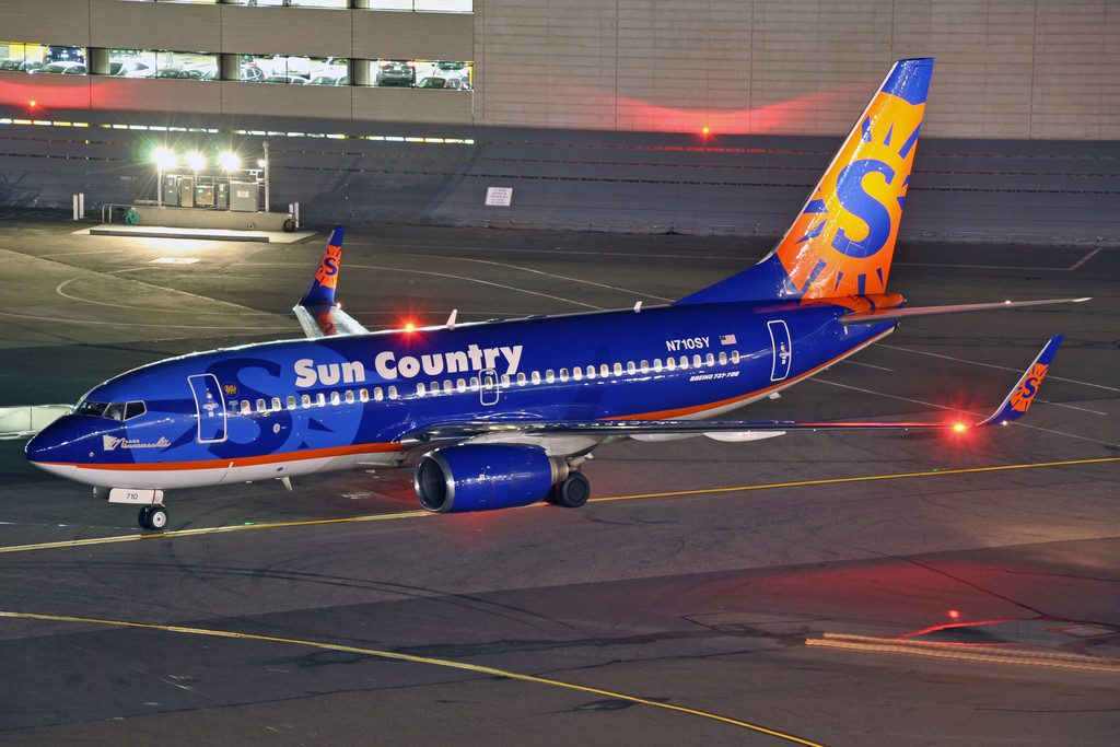 N710SY Boeing 737 700 Sun Country Airlines at SFO headed to Minneapolis
