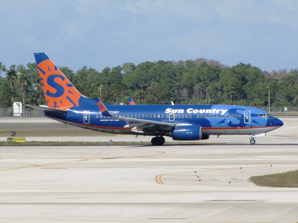N711SY Sun Country Airlines Boeing 737 700 Southwest Florida International Airport