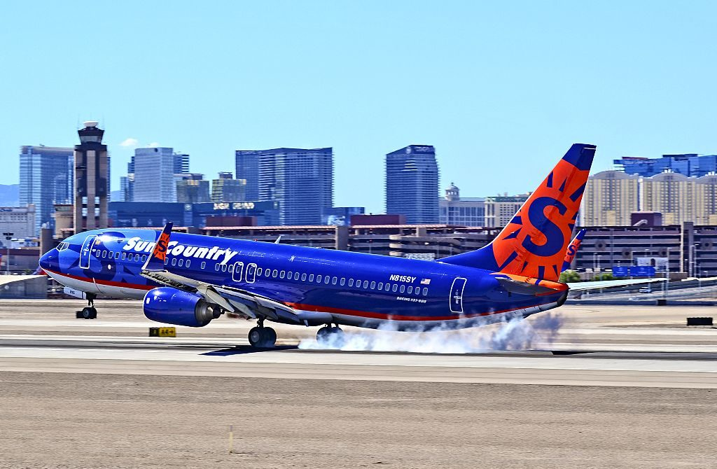 N815SY Sun Country Airlines Boeing 737 8BK cn 30623 1136 hard landing at McCarran International Airport KLAS
