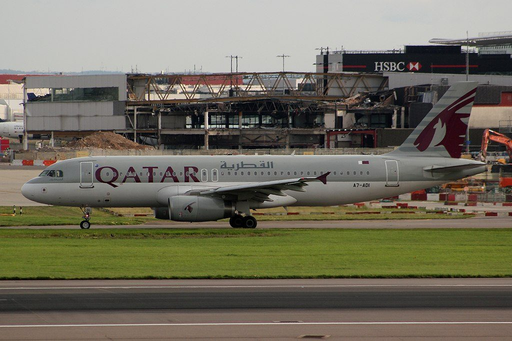 Qatar Airways A7 ADI Airbus A320 232 Heathrow Airport