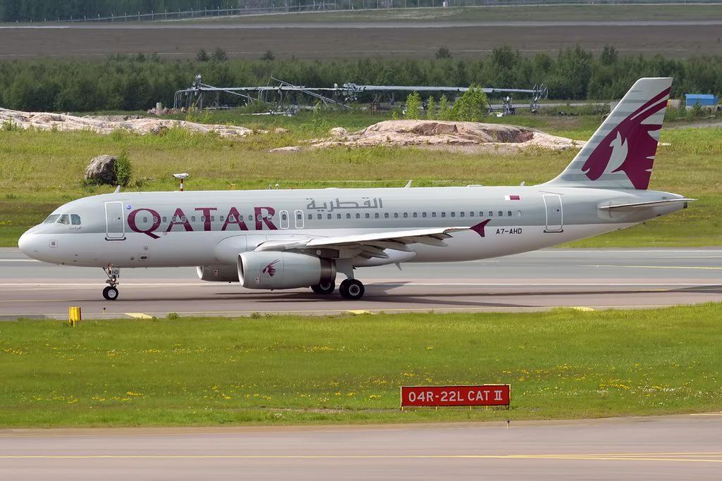 Qatar Airways A7 AHD Airbus A320 232 at Helsinki Vantaa Airport