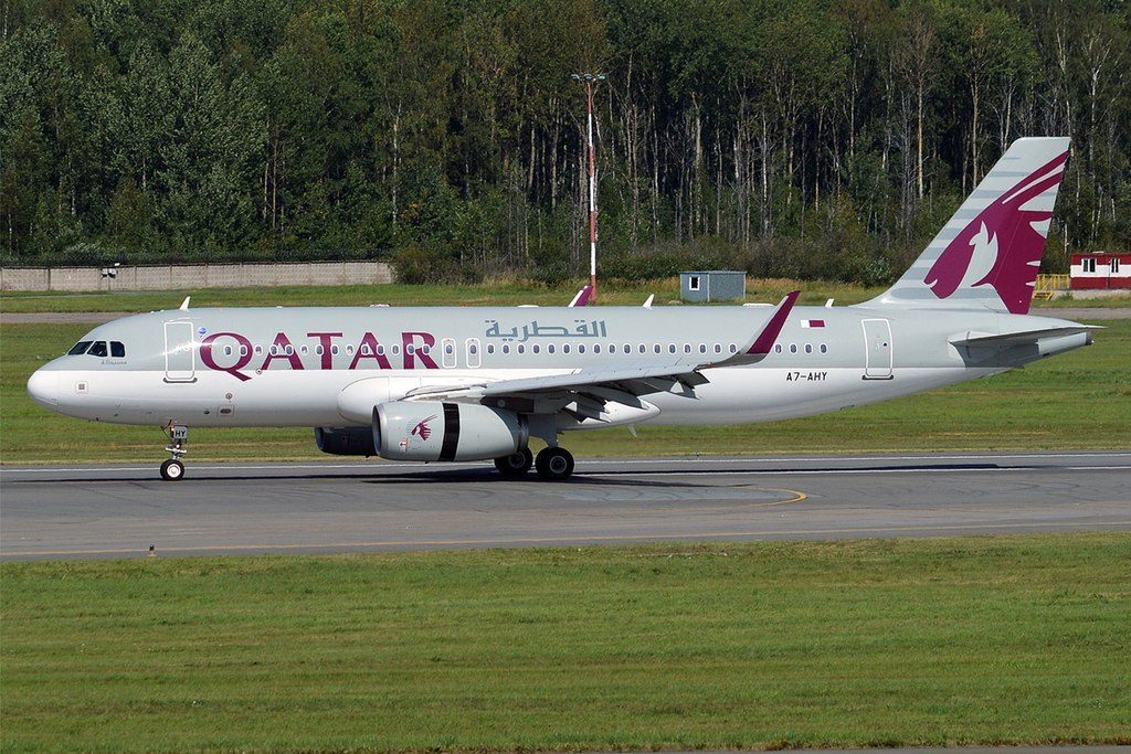 Qatar Airways A7 AHY Airbus A320 232 landing at Pulkovo Airport