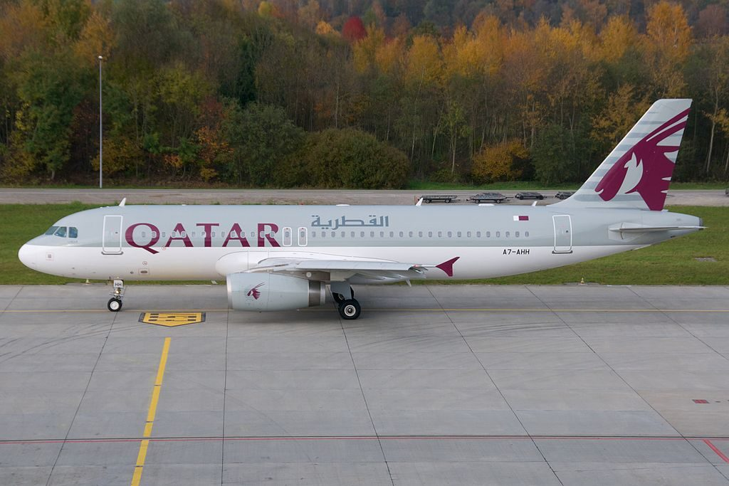 Qatar Airways Airbus A320 200 A7 AHH Zurich International Airport