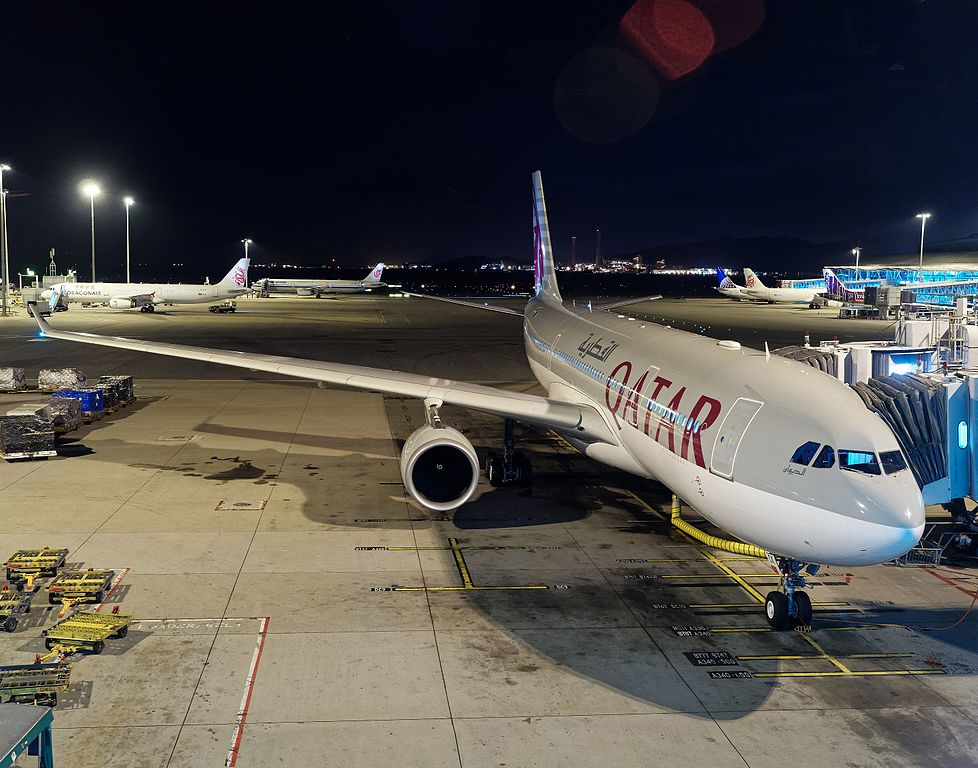 Qatar Airways Airbus A330 200 A7 ACK widebody aircraft photos