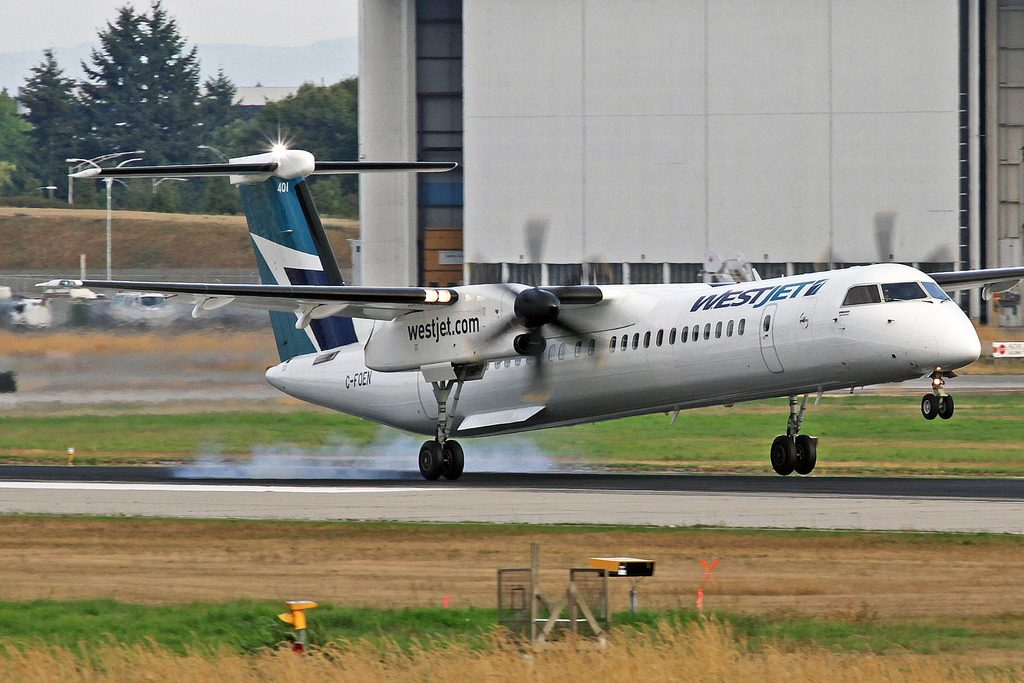 WestJet Encore DeHavilland DHC 8 402Q C FOEN YVR Vancouver International Airport