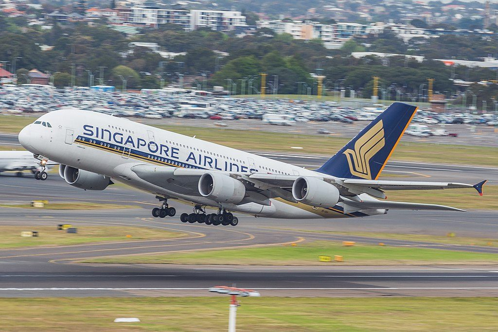 9V SKH Singapore Airlines Airbus A380 800 departing Sydney Airport