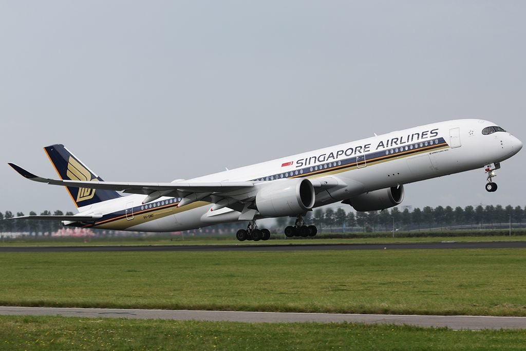 9V SMD Singapore Airlines Airbus A350 900 at Amsterdam Airport Schiphol