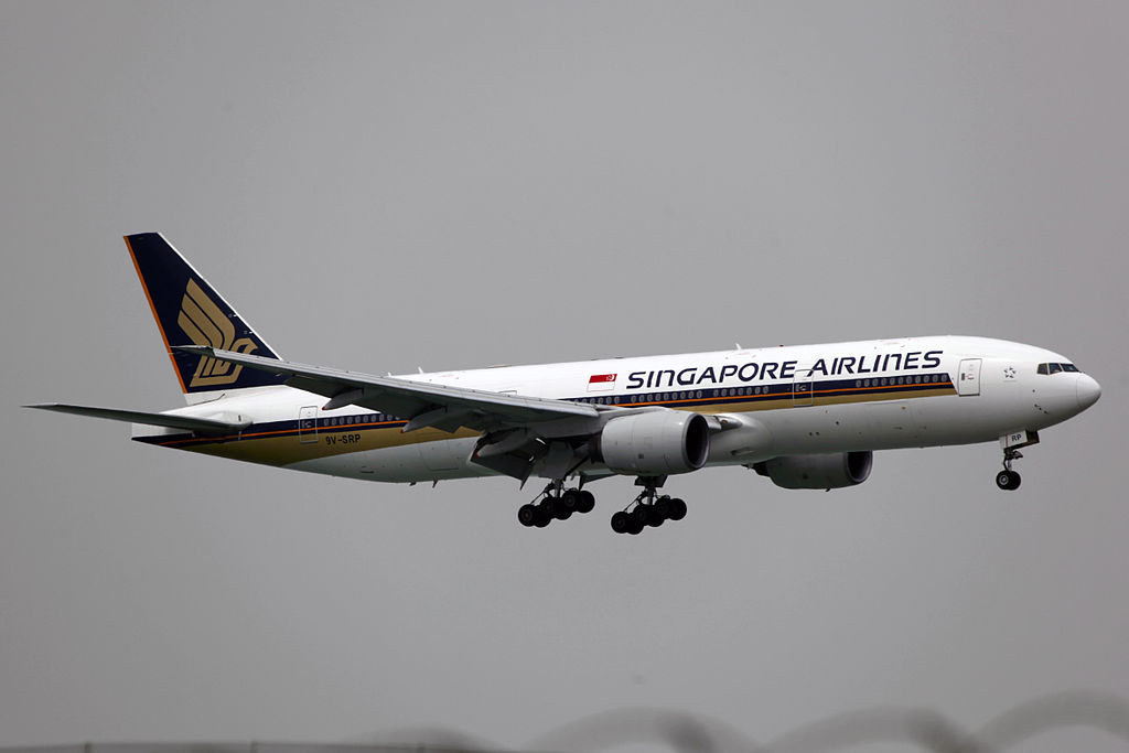 9V SRP Singapore Airlines Boeing 777 200 at Hong Kong Chek Lap Kok International Airport