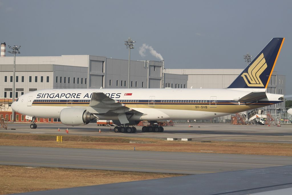 9V SVB Boeing 777 200ER Singapore Airlines at Changi Airport