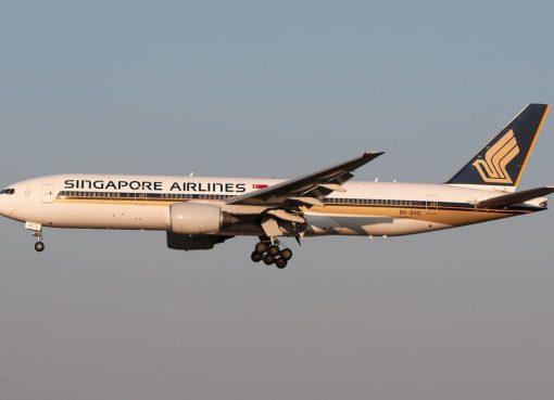 9V SVC Boeing 777 212ER Singapore Airlines on final at Roma Leonardo da Vinci Fiumicino